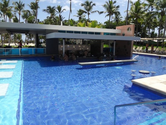 Hotel Riu Palace Macao: Swim up pool bar