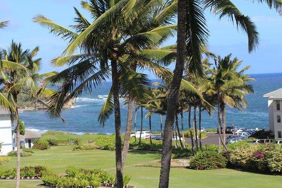 Aston at Poipu Kai: Great beach just a walk way
