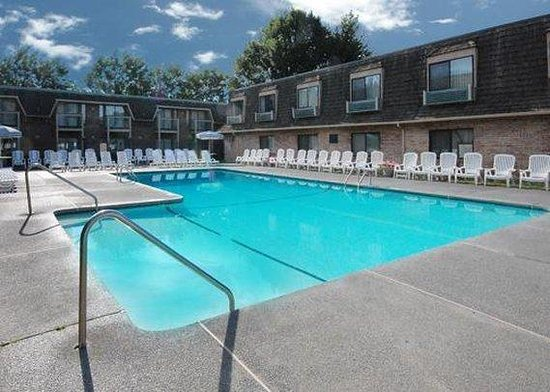 Yakima Valley Hotel and Conference Center : Pool
