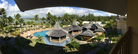 Jalsa Beach Hotel & Spa - Mauritius: View of the pool area from the 3rd floor room balconies