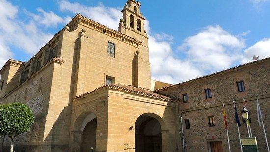 Parador Santo Domingo Bernardo de la Fresneda: Exterior