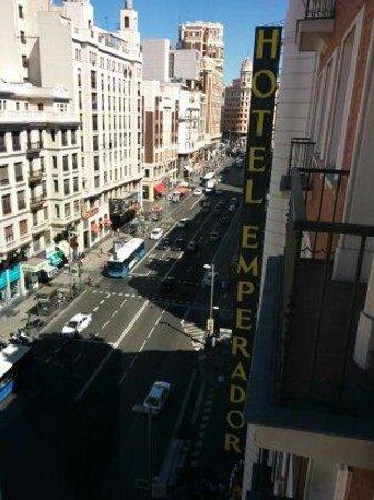 Emperador Hotel Madrid: vista