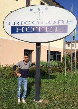 Tricolore Hotel: All' hotel tricolore si sta bene ancora prima di entrare!