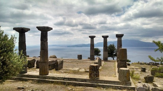 Assos Alarga, Bed and Breakfast: Temple of Athena, 5 minute walk from the Hotel