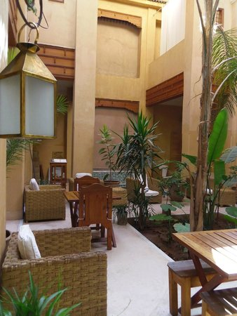 Al Ksar Riad & Spa: patio