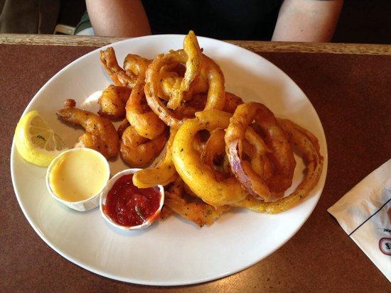 RuckerJohns Restaurant: Fried Shrimp and onion rings