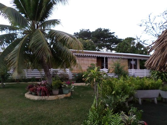 Pension Damyr: the house