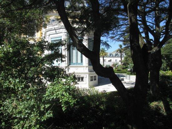 Pestana Palace Lisboa Hotel & National Monument: vue jardin de la chambre