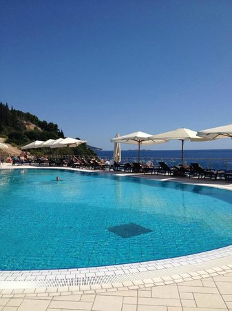Radisson Blu Resort & Spa at Dubrovnik Sun Gardens : adult pool
