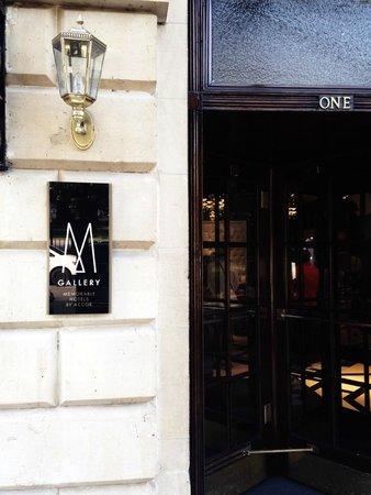 Francis Hotel Bath - MGallery by Sofitel : Front revolving door