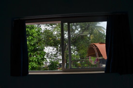 Church View Homestay: View from the room
