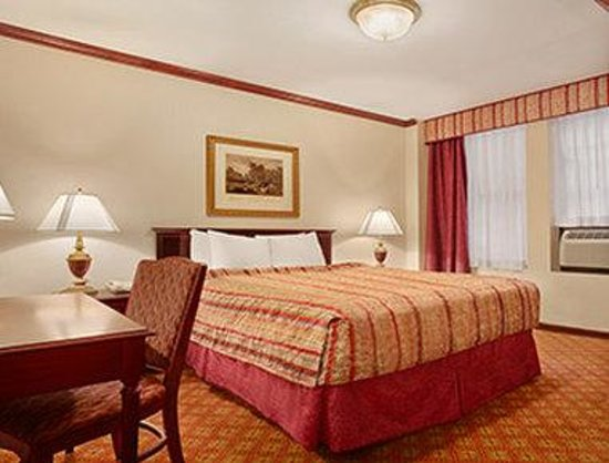 Days Inn by Wyndham Hotel New York City-Broadway: Standard 1 Queen Bed Room