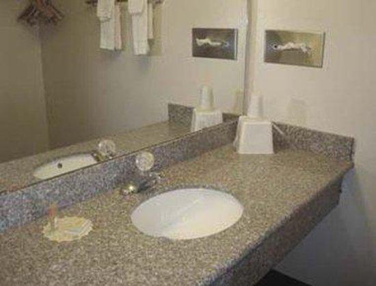 Days Inn Mesa East: Bathroom