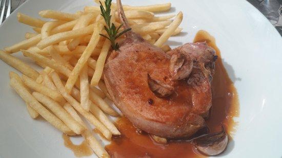 Bistrot De Paris : supposed to be a pork rib
