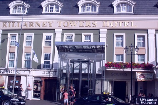 Killarney Towers Hotel & Leisure Centre: KTH entrance in the heart of town