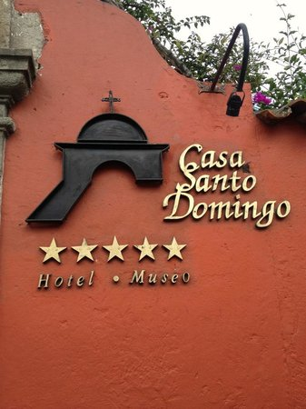 Hotel Museo Spa Casa Santo Domingo: Hotel Sign at the Front