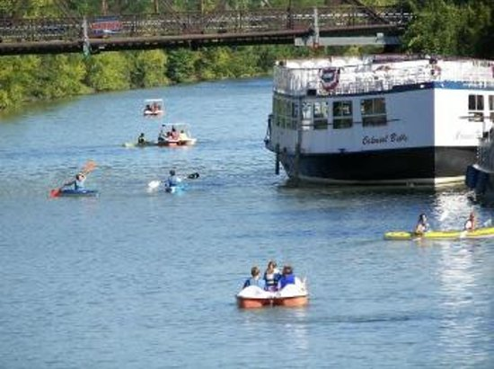 A B&B at The Edward Harris House Inn & Cottages: Image of Genesee River fun!