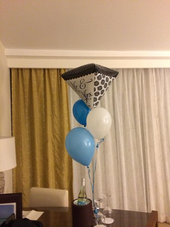 The Ritz-Carlton, Aruba: Allison our bellman left us a surprise