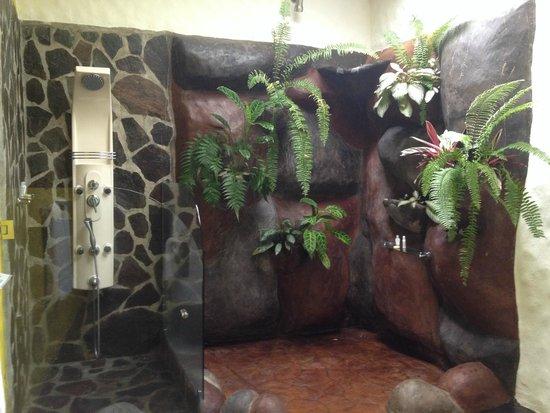 Hotel Mountain Paradise: Baño