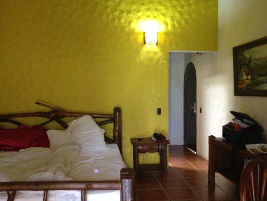 Hotel Mountain Paradise: Cama