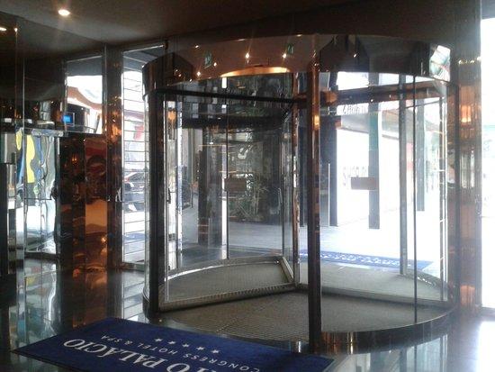 Porto Palacio Congress Hotel & Spa: entrada hotel