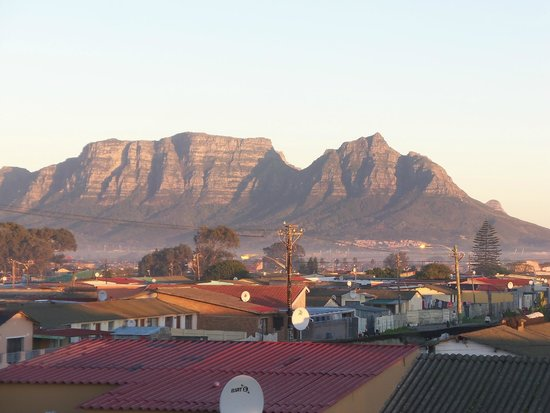Liziwe's Guest House & Tours: View from the balcony of Room 3