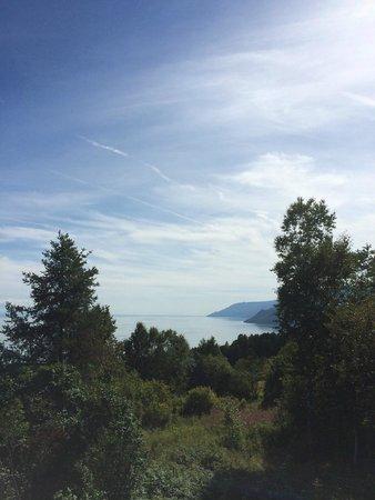 Auberge Cap-aux-corbeaux: Vue de la magnifique terrasse