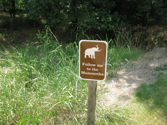 Waco Mammoth National Monument: Sign