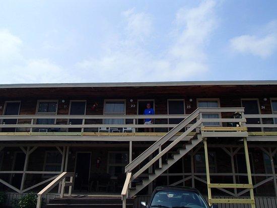 Boardwalk Motel: from parking lot