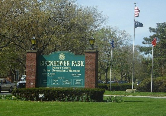 Holiday Inn Westbury: Eisenhower Park - 1.1 miles from hotel