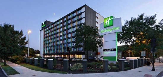 Holiday Inn Boston-Bunker Hill: Hotel Exterior