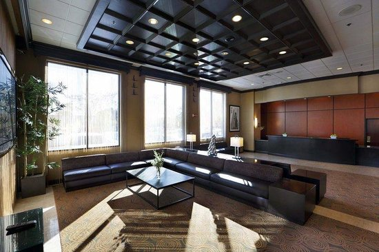 Holiday Inn Boston-Bunker Hill : Lobby