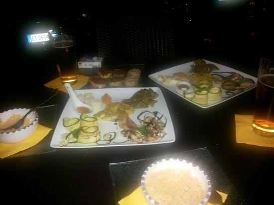 Almanera Puro - Lounge: Anche per i vegetariani ... goduria per la vista e per il palato!!