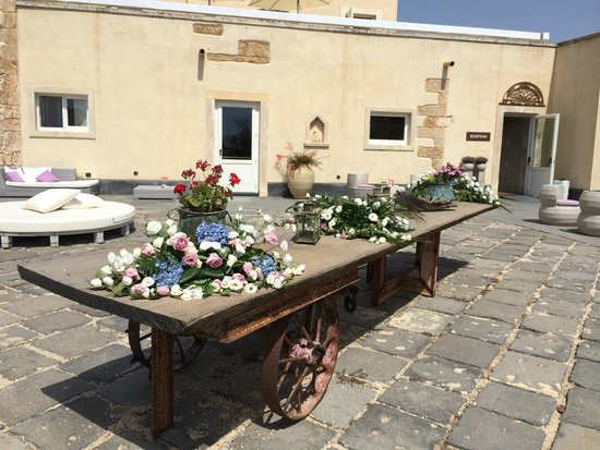 Hotel Borgo Pantano: View of outside area