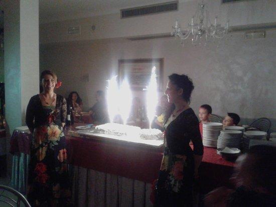 Hotel Le Lune: serata a tema, il dolce finale