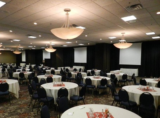 Ballroom seating up to 500 in banquet style seating - Picture of ...