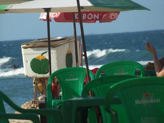 Segunda Praia Beach: água de coco