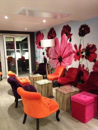 Inter-Hotel Le Garden Tours-Sud : Saletta bar