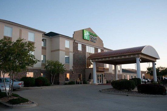 Holiday Inn Express & Suites: Exterior Feature
