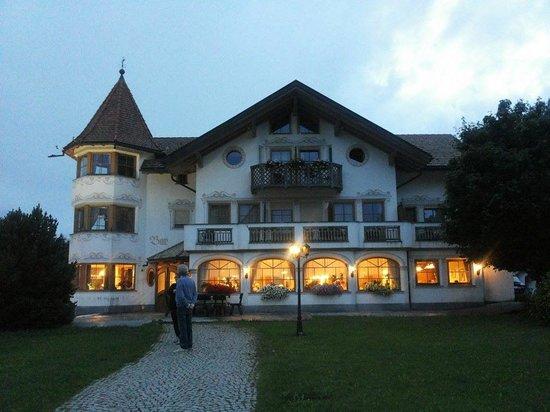 Turmhotel Gschwendt: vista serale