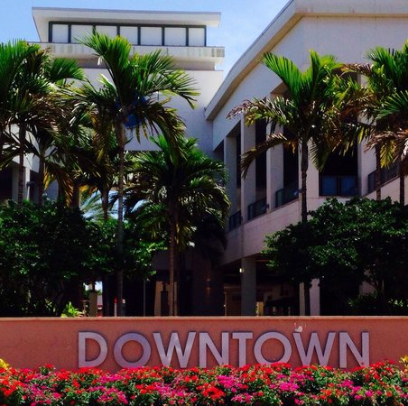 Entrance Picture Of The Downtown Carousel Palm Beach Gardens Tripadvisor