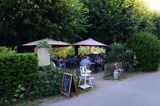 Restaurant Baudy: Terrace