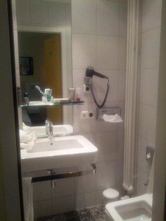 Select Hotel Berlin Checkpoint Charlie: Bagno