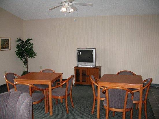 Holiday Inn Express Ashland : Hospitality Suite