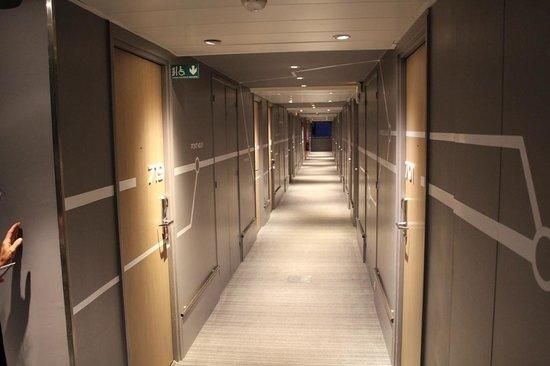 Mercure Paris Centre Tour Eiffel: corridoio stanze