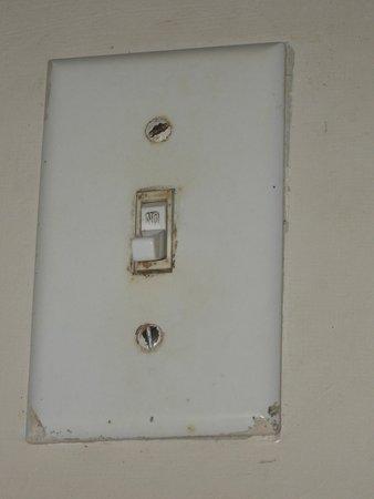Lalati Resort & Spa: filth on light switch