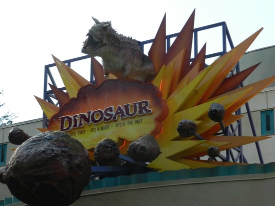 Walt Disney World: Dinosaur ride in Animal Kingdom