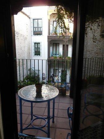 El Rey Moro Hotel Boutique Sevilla: onto the courtyard