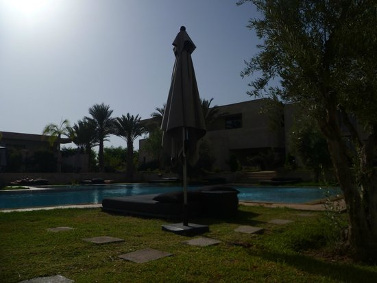 Sirayane Boutique Hotel & Spa: Pool area.