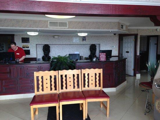 Ramada Flagstaff East : Hotel reception